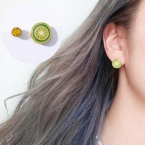Jewelry - NEW cute kiwi fruit stud earrings